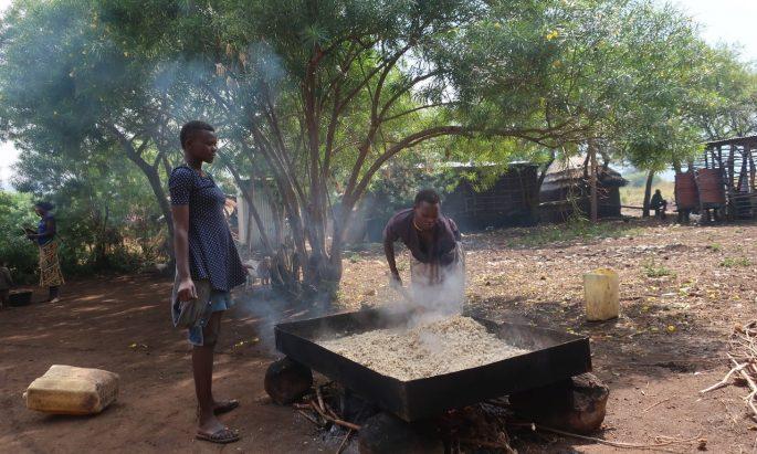 women roasting sorghum, nakap